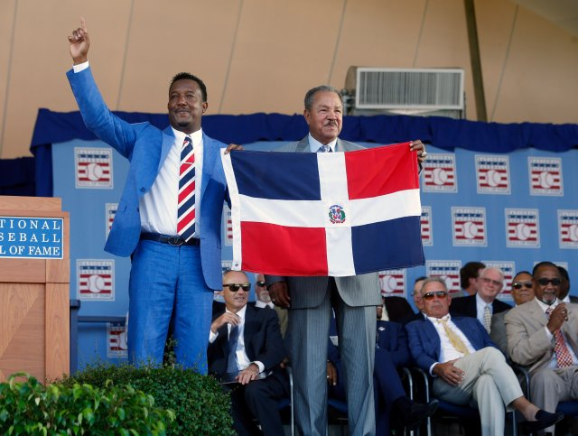 Pedro Martinez (left) at the Hall of Fame induction ceremony. (AP Photo/Mike Groll)